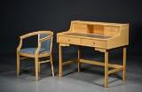 Stofa møbler, skrivebord af bøg, samt armstol (2)