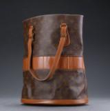 Louis Vuitton, skuldertaske, model Bucket GM