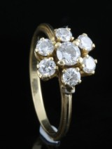 Ring in 18k set with brilliant cut diamonds approx. 0.75ct
