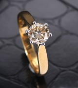 Classic diamond solitaire ring, 18 kt. gold and white gold, approx. 0.98 ct.