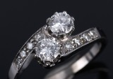 Kjeld Jacobsens Guldsmedie. Crossover diamond, ring, 0.76 ct.