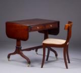 Dameskrivebord og stol i regency-stil (2)