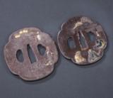 To japanske tsubaer, midt Edo, formentlig 1750-1800 (2)