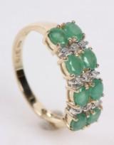 Smaragd- og diamantring