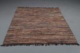 Skindtæppe. Tæppe af læderstrimler. 200 x 140 cm.
