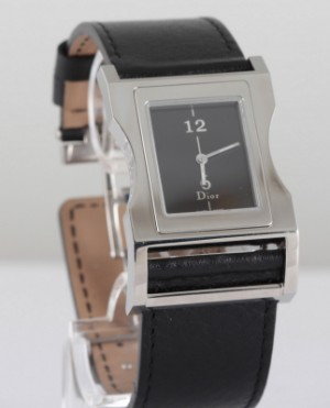 Dior unisex watch - Be, Antwerpen - Dior unisex watch Model: 'Chris 47 Steel' Case: 30mmx32mm Band length: 16.5-13.5cm Band width: 25mm Dial color: white Case type: square face Display type: analog display Movement: quartz Waterproof: Water resistant Number of the holes: 6 P - Be, Antwerpen