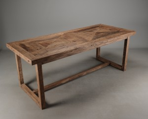 gammelt spisebord Slutpris för Fransk spisebord af 200 år gammelt spisebord