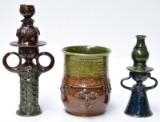 Bjørn Wiinblad. Krukke og to stager af glaseret lertøj (3)