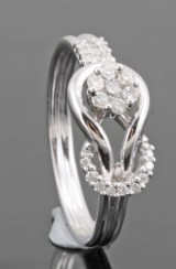 18kt. diamond ring approx. 0.24ct