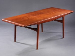 Johannes Andersen. Spisebord, teaktræ, Uldum møbelfabrik
