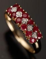 Ring af 9 kt guld, diamanter og rubiner