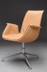 Preben Fabricius & Jørgen Kastholm. 'Tulip chair', model FK 6725, pale leather
