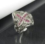 Ring in Silber mit Rubinen