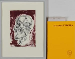Frans Kannik, litografisk trykt særudgivelse samt signeret forlæg til indvendig vignet, 120 Dage i Sodoma af Marquis D.A.F. de Sade. cd. (2) - Dk, Herlev, Dynamovej - Litografisk særudgave af Marquis D.A.F. de Sades '120 Dage i Sodoma' samt originalt forlæg til vignet på s. 34, illustreret af Frans Kannik (1949-2011). Udgivet i 1998, bog ombundet i gult Viking Gummi, indvendigt sign. Frans Ka - Dk, Herlev, Dynamovej