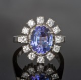 Brilliant-cut diamond gold ring approx. 0.95 ct and tanzanite approx. 3.99 ct.
