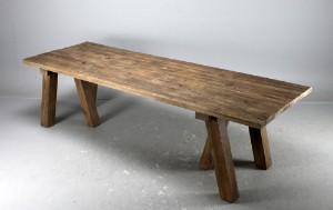 Langbord/Spisebord i fransk antik landstil. Af genanvendt gammelt ...