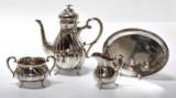 Grann & Laglye. Kaffeservice af sølv, samt bakke i pletsølv(4)