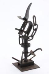 Ubekendt kunstner. Abstrakt figur. Skulptur af sortmalet jern