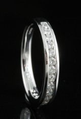 18kt diamond eternity ring approx. 0.55ct