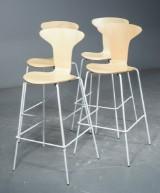 Arne Jacobsen, Munkegaard/Myggen barstol (4)