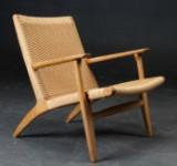 Hans J. Wegner. One chair, model CH25, oak