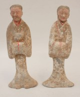 Pair of earthenware figurines, Han dynasty (206 BC-220 AD) (2)