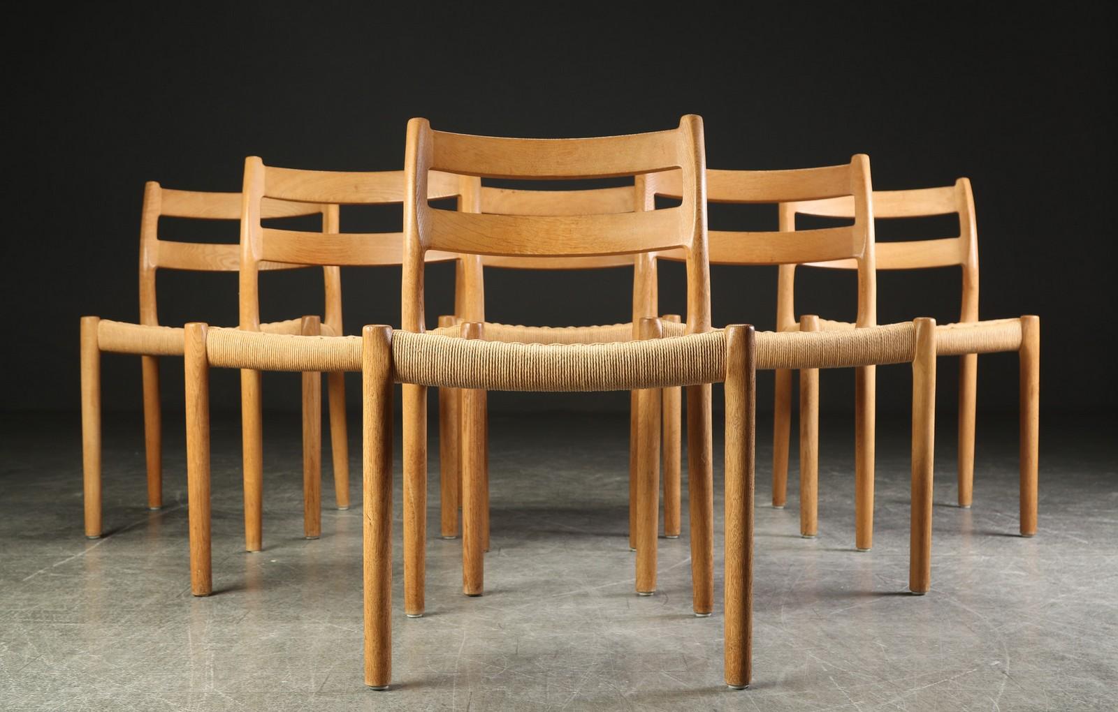 Auktionstipset - Niels O. Møller. Seks stole af egetræ, model 84 (6)