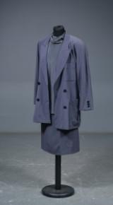 Escada, jakke, skjorte og nederdel, ca. str. 36