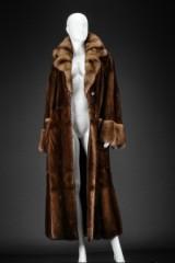 Sanglow mink coat with sable, size 40/42. Labelled Brdr. Alex Petersen