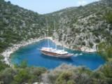 8 dages kystkrydstogt langs med den tyrkiske kyst (Fethiye - Kekova - Fethiye) på PREMIUM-3-masteren MS Admiral eller Grand Admiral med helpension for 2 personer, rejsetidsrum: 06.06.15