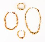 Samling smykker, rav, ca. 85 gram (4)