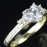 Ring, 18 kt. gold with 15 diamonds (total approx. 1.70 ct)