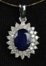 Safir- og diamantvedhæng.