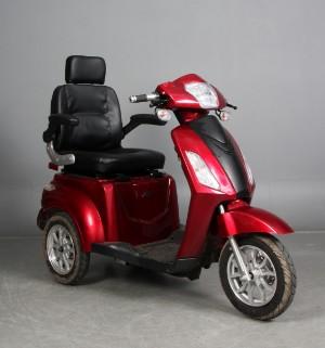 Sunra MS03. Tre hjulet el scooter. - Dk, Esbjerg, Oddesundvej - Sunra MS03. Tre hjulet el scooter. Bordeaux røde skjolde. Med rum under sædet. Oplader medfølger. Fremstår med minimale brugsspor. .Data: Topfart: 25 km/t To forskellige hastighedsindstillinger hhv 15/25 km/t Op til 50 km p