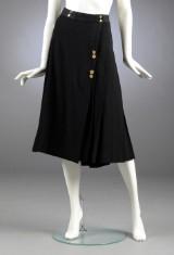 Chanel, nederdel af sort uld, str. 42