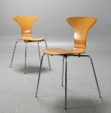 Arne Jacobsen, stolar 3105 Myggan, 2 st