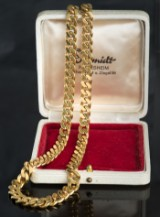 Plate necklace in gold with carabiner clasp
