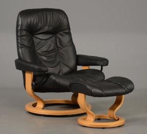 stressless lænestol Stressless lænestol og skammel, bøgestel med sort læder (2  stressless lænestol