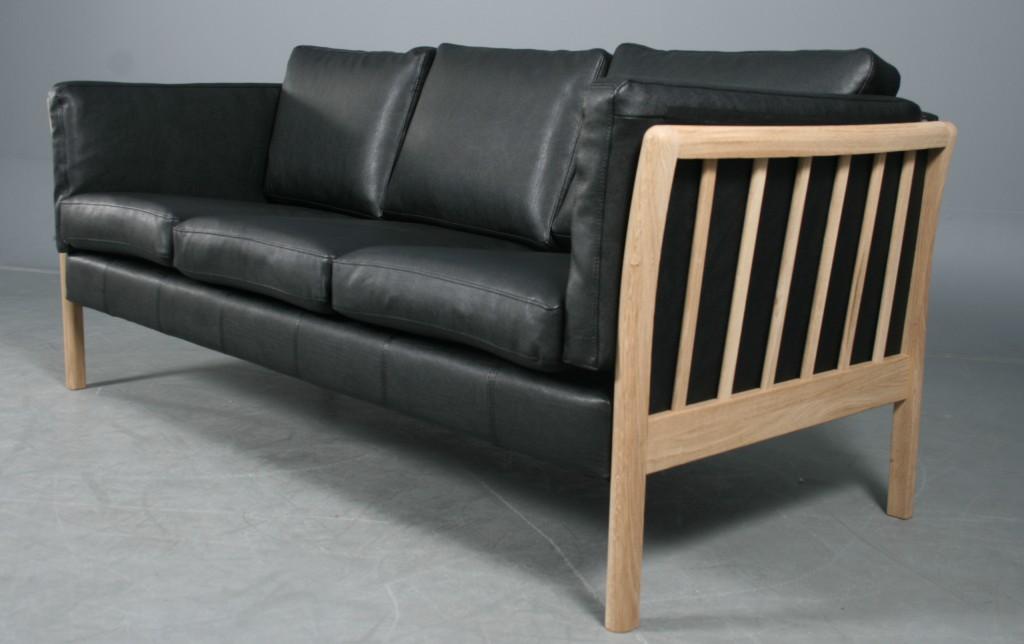 Picture of: Dansk Design 3 Pers Sofa Model Skagen Eg Og Sort Laeder Lauritz Com