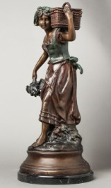 Auguste Moreau, pige med kurv. Bronzeskulptur