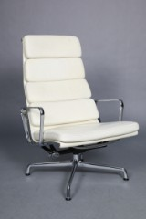 Charles Eames. Soft Pad lounge stol, model EA-222
