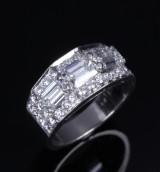 Bvlgari. Diamond ring, platinum, total approx. 2.35 ct