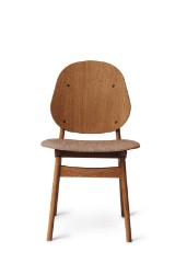 Arne Hovmand-Olsen for Warm Nordic. 'Noble Chair' teakbejdset eg
