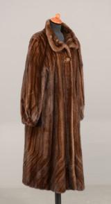 Pelsfrakke af brune mink str. 44-46-48 - Saga Royal