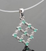 Green emerald pendant approx. 0.30ct