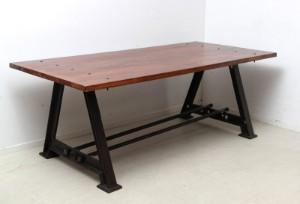 industrie design tisch. Black Bedroom Furniture Sets. Home Design Ideas