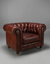 Chesterfield easy chair, reddish-brown leather