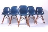 Charles Eames: Sæt på seks DSW skalstole i blå glasfiber (6)