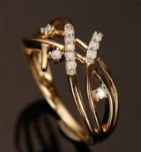 Ring af 9kt guld med diamanter