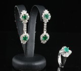 18kt diamond and Emerald earrings and ring approx.2.50 ct